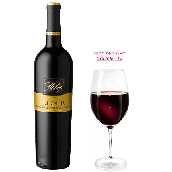 Rượu Vang Hilltop Cabernet Sauvignon với nồng độ cồn 14,9% vol phù hợp dành cho những người yêu thích sự mạnh mẽ, lôi cuốn. Mang lại cảm giác hài hoà, hấp dẫn. Dư vị lâu dài dễ chịu