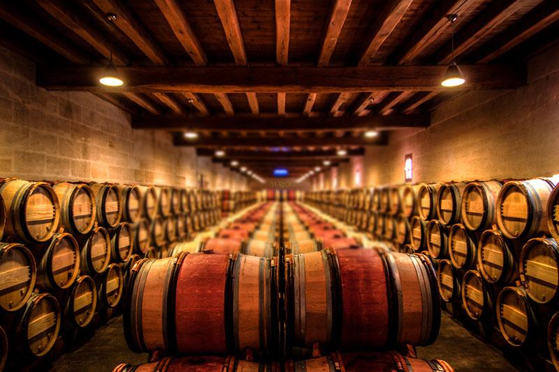 Tại sao lại ngâm rượu vang bằng thùng gỗ sồi?