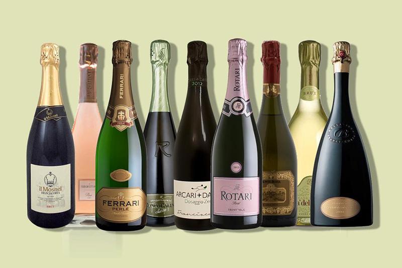 Phân biệt Sparkling wine và Champagne